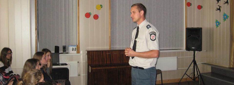 Gimnazijoje lankėsi nepilnamečių reikalų specialistas Rimgaudas Dainius